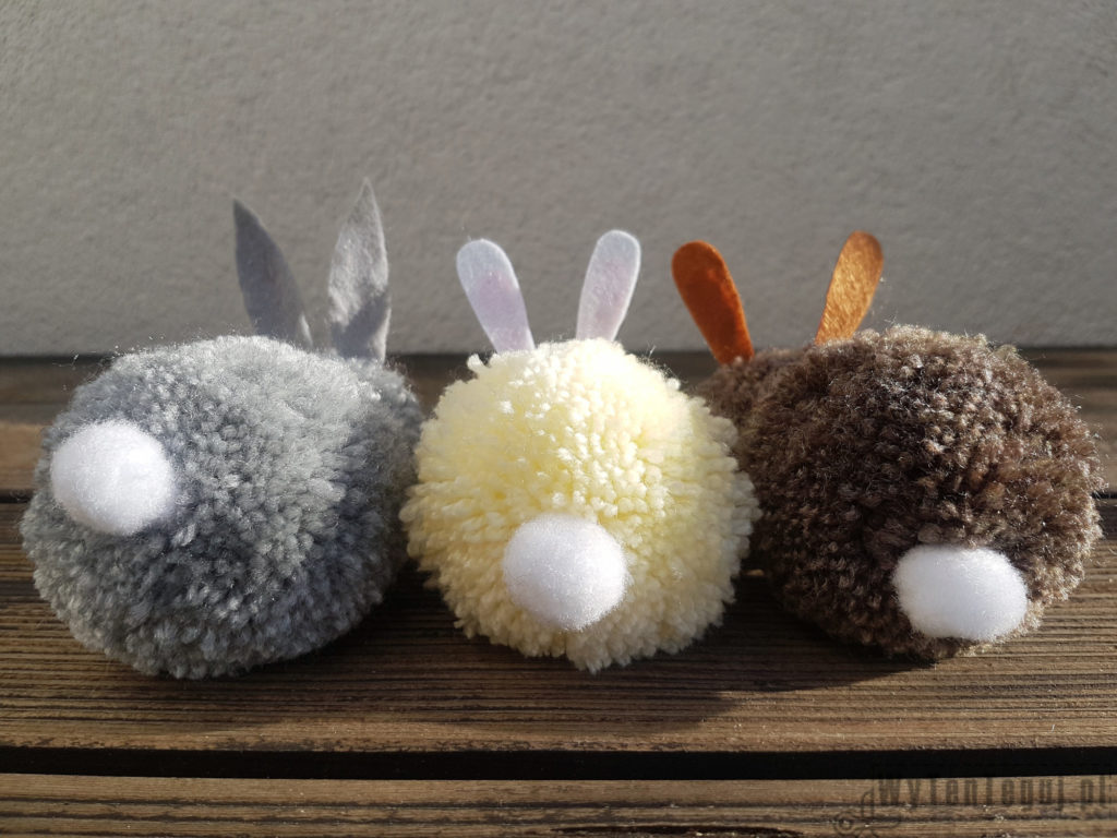 Pom pom bunnies' butts