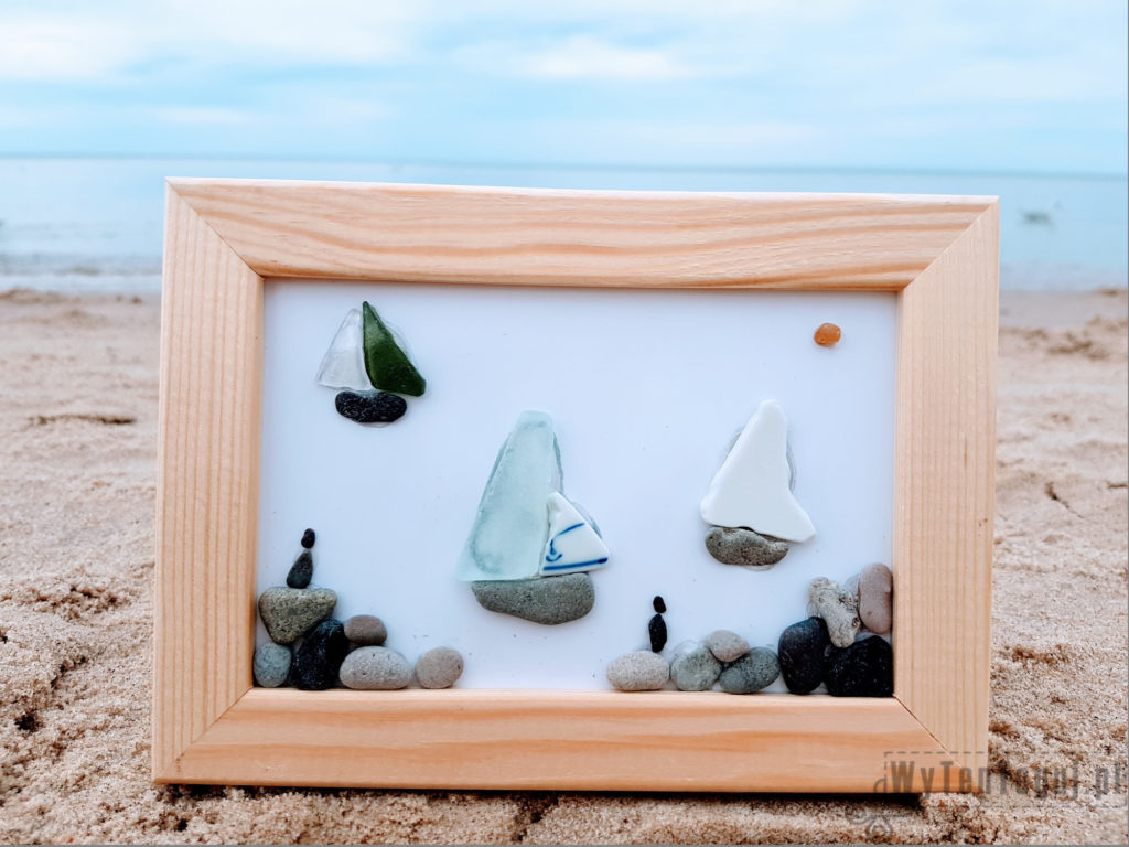 Pebble and sea glass boats