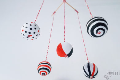 Montessori Mobile - painted wooden balls