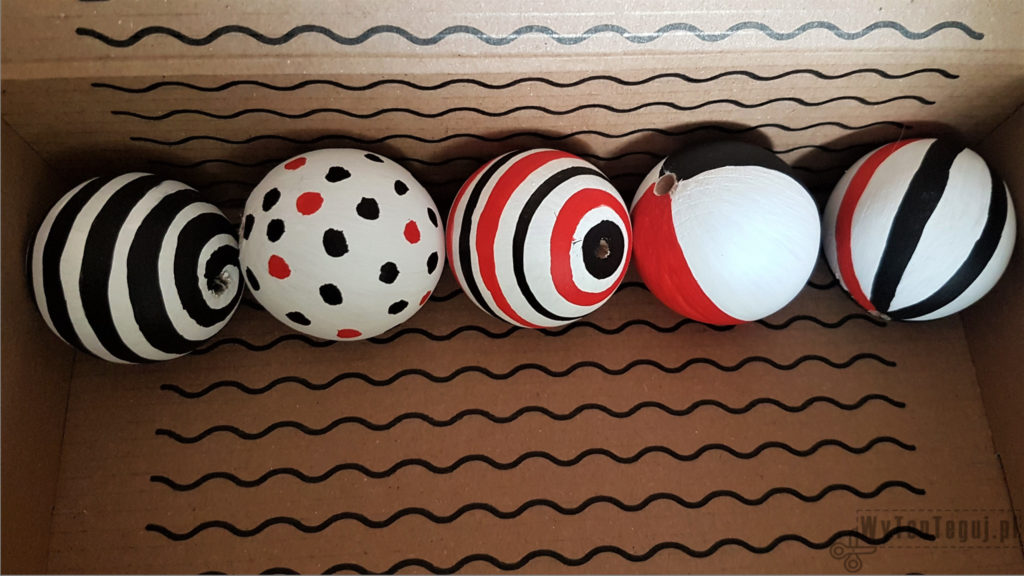 Painted wooden balls for Montessori Mobile