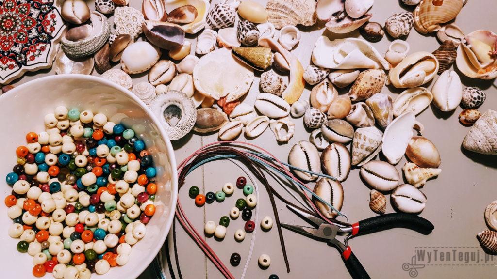 Suppplies for seashell pendants