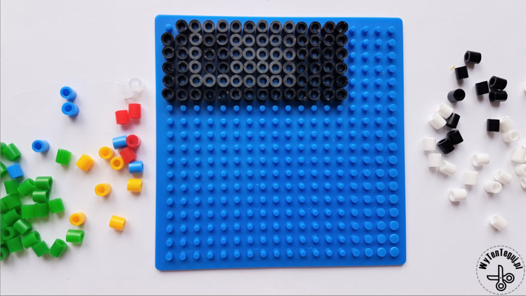 Making of floppy disc out of hama beads