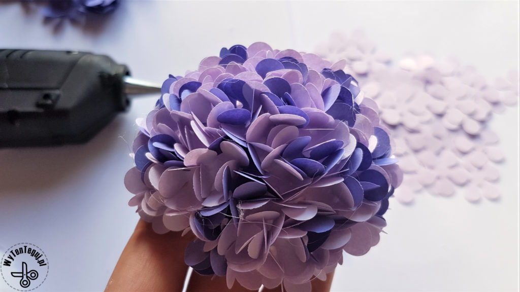 Making of paper hydrangea