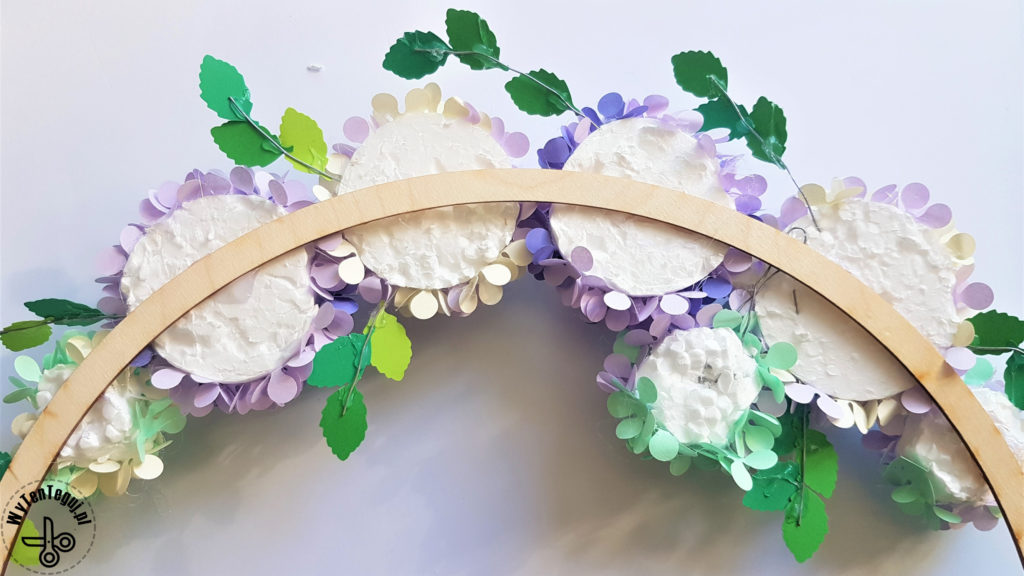Paper hydrangea flower wreath - rear view