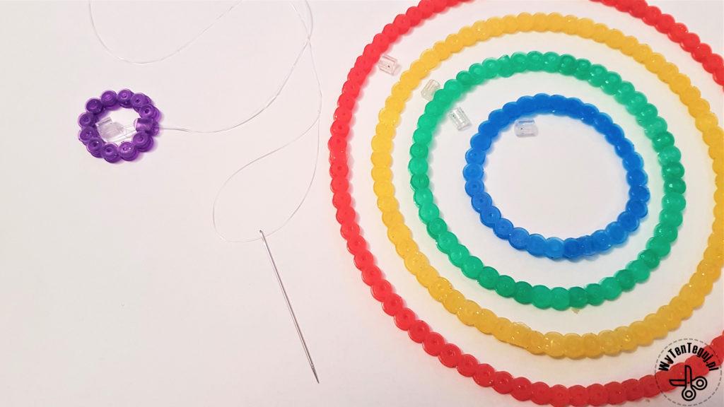 Assembling set of perler bead circles