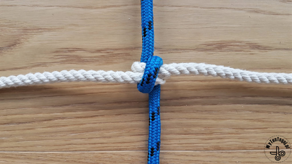 How to make a net knot - step 4