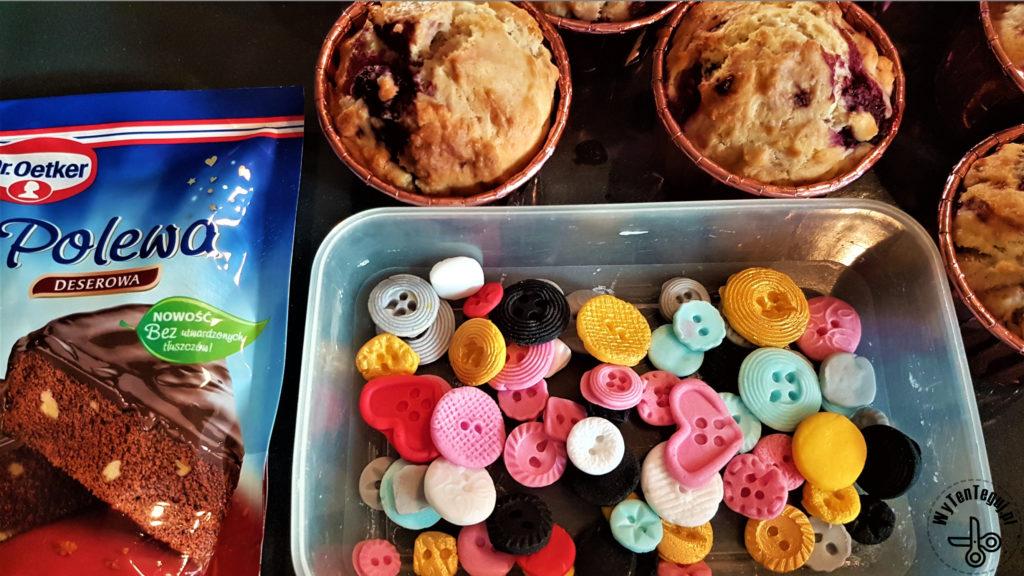 Supplies for button cupcakes