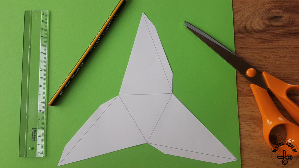 Making of paper Christmas tree