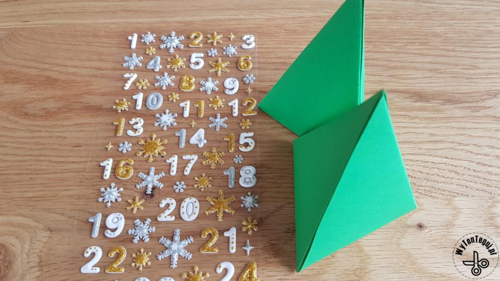Making of paper Christmas tree advent calendar