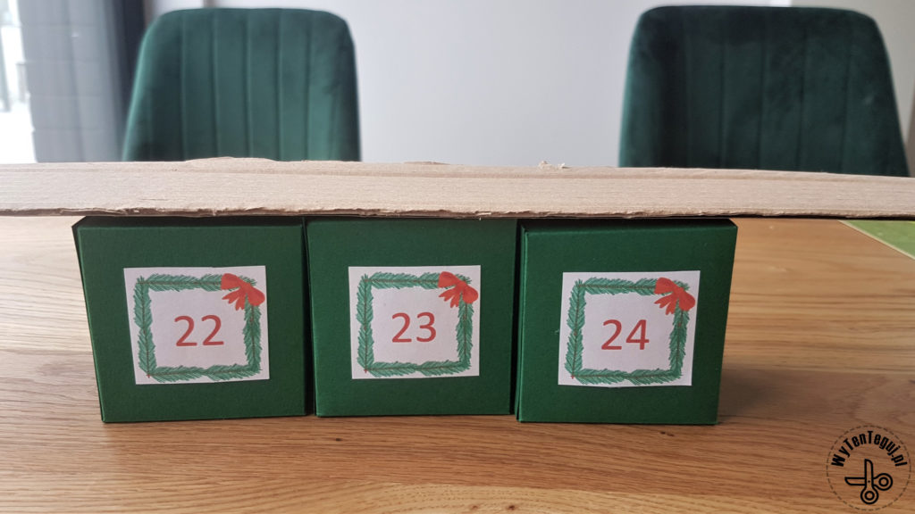 Making of advent calendar