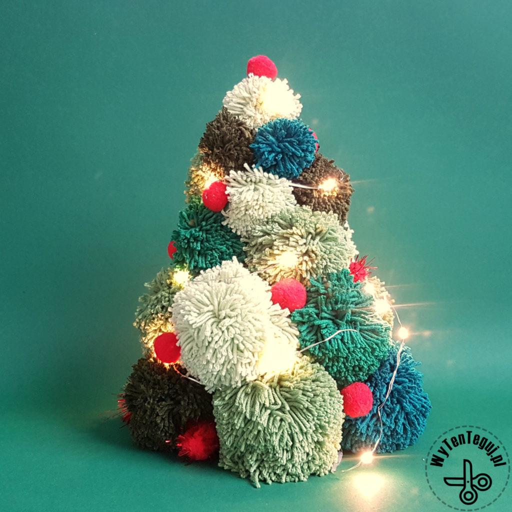 Pom pom Christmas tree with lights and red pom poms