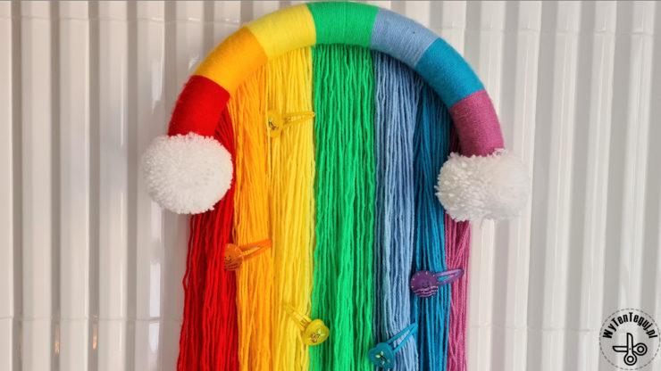 Tęczowy organizer na spinki do włosów