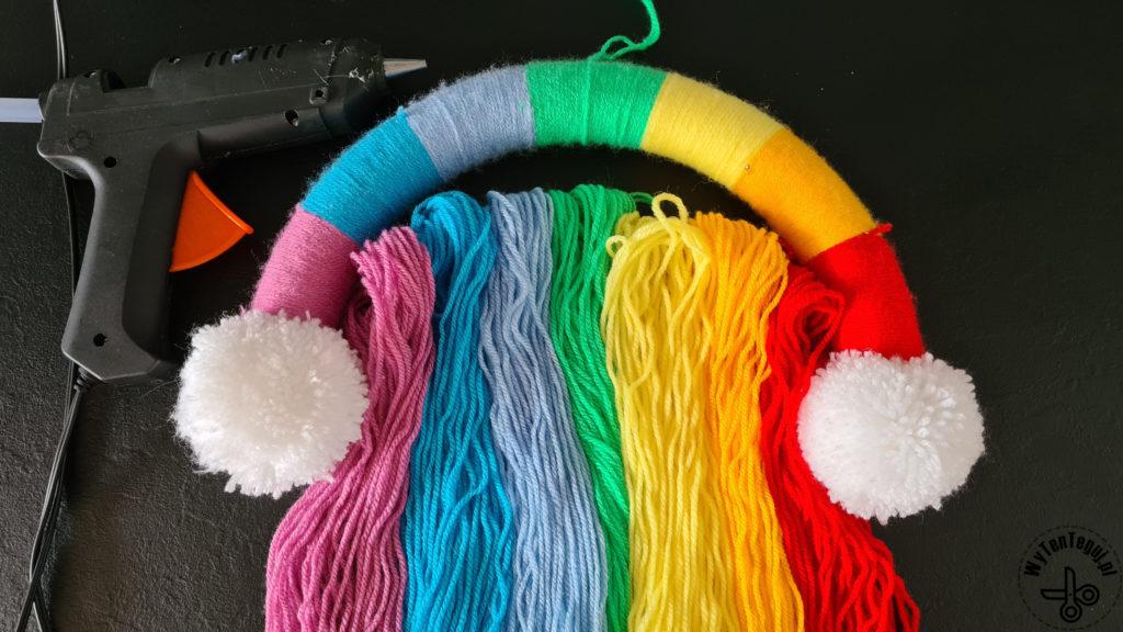 Getting ready to glue yarn threads