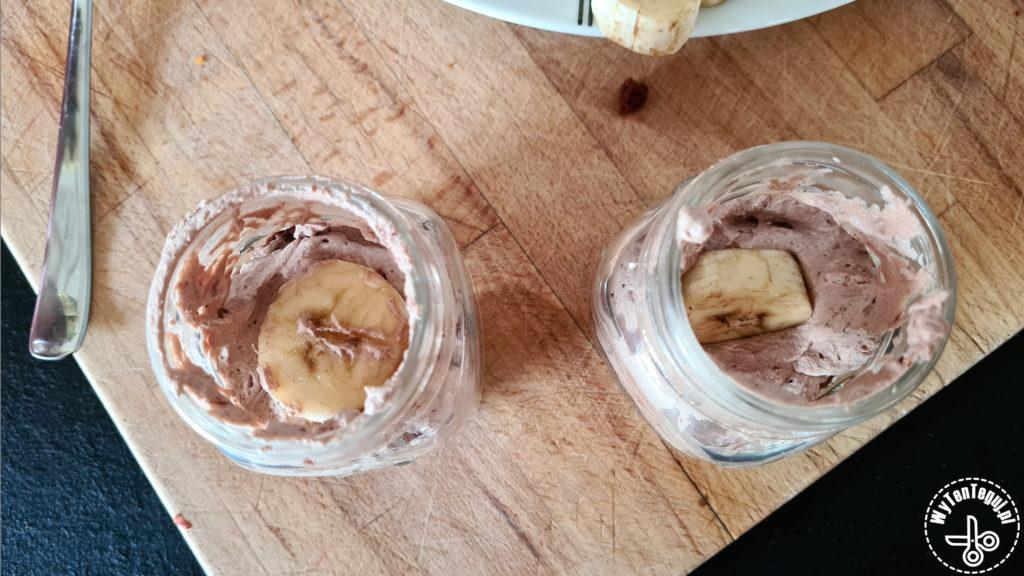 Preparing of desert in a jar
