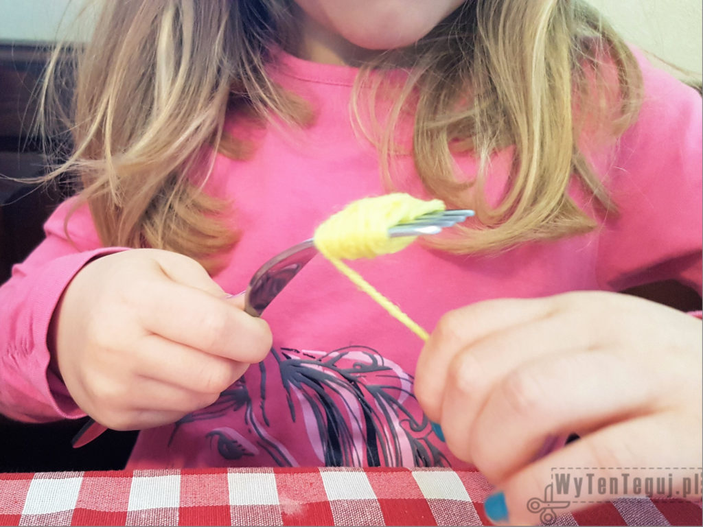 Pompom on a fork
