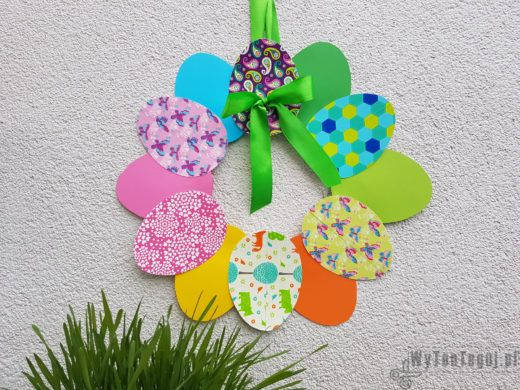 Easter paper wreath