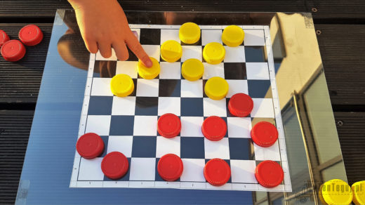Draughts game in progress