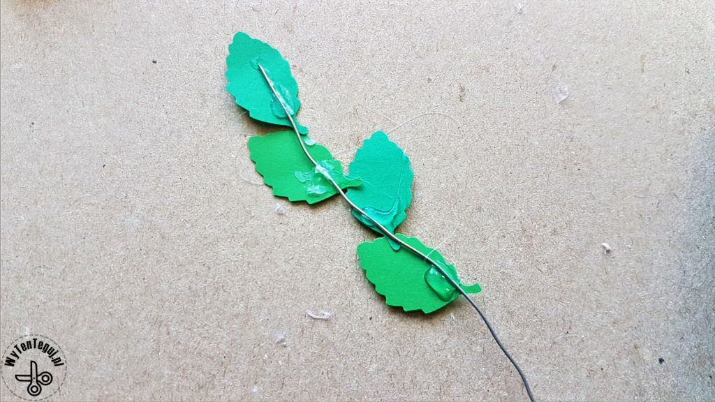 Preparation of twigs with paper leaves