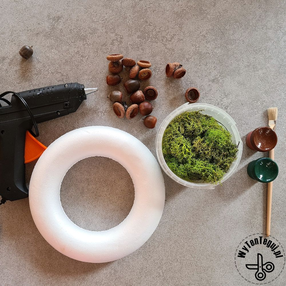 Supplies for the moss and acorn wreath